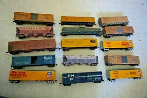 Lot of 15 Nice HO Scale Train FREIGHT Box CARS  Some are Custom Weathered