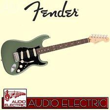 Fender Stratocaster SSS American Professional USA E-Gitarre antique olive + Case