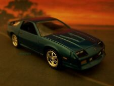 1992 92 CHEVY CAMARO Z/28 COLLECTIBLE DIECAST MODEL 1/64 SCALE - DIORAMA