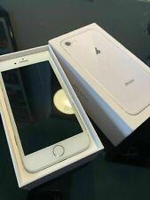Apple iPhone 7 - 32GB - Silver (SIM-Free) - Unlocked