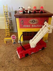 Vintage Little People Fire Station toy set