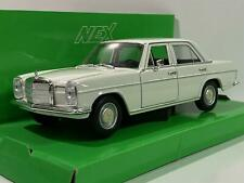 Mercedes Benz 220 White 1:24 Scale Welly 24091