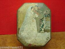 Jolie ancienne boîte en tôle décor couple, mariage, Roi des Belges