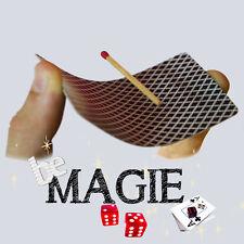 Allumette en lévitation sur une carte - Floating match - Magie
