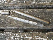 Ancien thermomètre centigrade  + son étui en métal