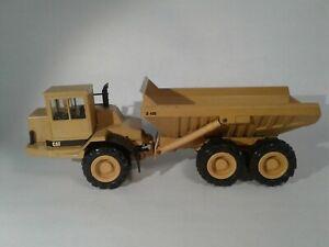 Caterpillar D400 Dump Truck - o/c b/s - 1/50 - Conrad #2862 , near mint condit