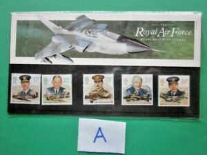 1986 THE HISTORY  OF THE ROYAL AIR FORCE PRESENTATION PACK. ( A )