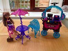 Monster High Scaris CAFE BISTRO jeu avec accessoires et poupée