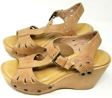 Bass womens wedge sandals size 8 M light brown faux leather teardrop cutouts