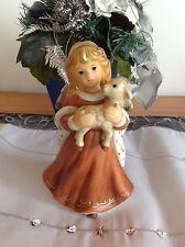 Goebel ★ Engel ★ Jahresengel 2001 stehend mit Lamm Lämmchen auf Arm ★ RARITÄT