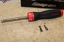 Snap-On - SGDMRC4 - Ratcheting Soft Grip Standard Red Screwdriver 2 bits adapter