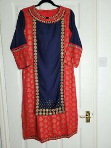 Ladies Casual Red Kurta Size Medium 10 Mirror Detail