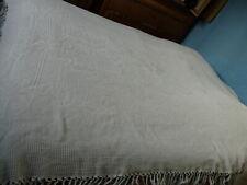 Ancien dessus de lit, coton blanc 185 cm x 242 cm + frange