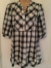 Autograph weekend size 8 off white & grey check/tartan blouse size 8