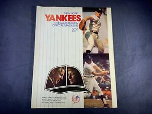 O7-81 NEW YORK YANKEES BASEBALL SCORE BOOK & MAGAZINE - 1974 - VS OAKLAND A's