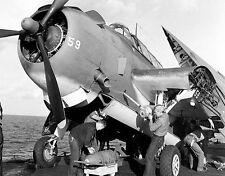 WWII Photo US Navy TBM Avenger Bomb Loading  WW2 / 7022