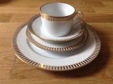 Haviland Limoges Plumes 4 pièce de réglage côté soucoupe tasse à café & assiettes à salade.