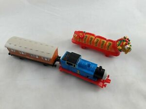 ERTL Thomas the Tank Engine Clarabel and Chinese Dragon Train Die Cast