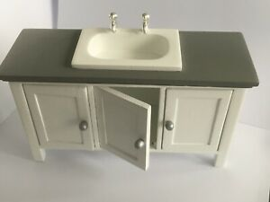 Sideboard With 3 Doors And Porcelain Sink With Wasserhähnen