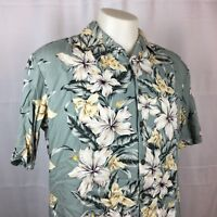 Hilo Hattie Mens Hawaiian Shirt Button Front Gray and White Floral Medium EUC