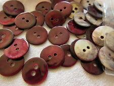 lot 12  boutons en nacre rouge/ prune  2 trous fond d'atelier  1,3 cm ref 1813