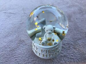 """Bambino White & Gold Resin Snow Globe Waterball ''Baby's 1st Birthday"""" CG1618"""
