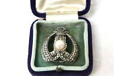 Vintage Goldsmiths & Silversmiths Co Pearl Centered Broach