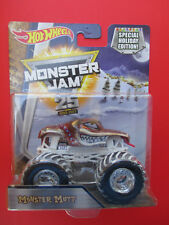 HOT WHEELS MONSTER JAM SPECIAL HOLIDAY EDITION *MONSTER MUTT* SNOW TREADS NEW!
