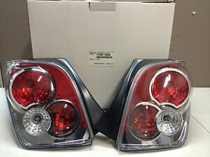 TYC TOYOTA Scion xA iST TAIL LIGHT LAMPS PTS25-52040 2003- 2006 OEM