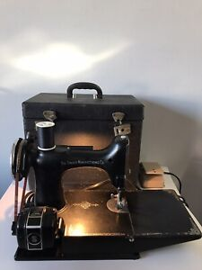 1934 VINTAGE SINGER FEATHERWEIGHT SEWING MACHINE - TESTED WORKS - AD790684