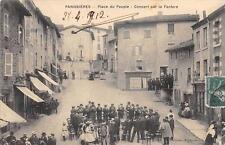 CPA 42 PANISSIERES PLACE DU PEUPLE CONCERT PAR LA FANFARE