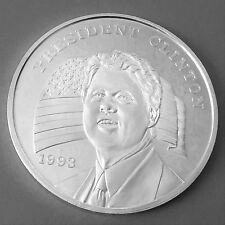 1993 Bill Clinton 8 Troy oz .999 Pure Silver Art Round #01321
