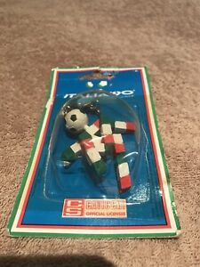 WORLD CUP 1990 OFFICIAL KEYCHAIN VINTAGE NEW IN BOX ITALIA 90 MASCOT
