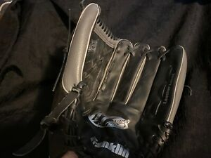 """Franklin RHT 13"""", 4672-13 Baseball Glove/Mitt Ready to Play System, Hand Crafted"""