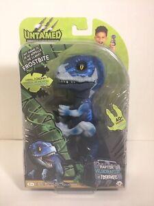 NEW! Fingerlings Untamed FROSTBITE Raptor Velociraptor (Blue) by WowWee