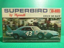 VINTAGE JOHAN #43 RICHARD PETTY PLYMOUTH SUPERBIRD 1/25 MODEL CAR MOUNTAIN