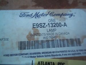 GENUINE  FORD  TURN SIGNAL LIGHT  PART NUMBER  E9SZ-13200-A