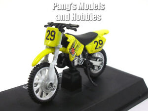 Suzuki RM 125 Dirt Bike - Motocross 1/32 Scale Diecast Metal Models