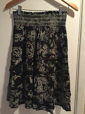 Beautiful LUCY LOVE Women's Tiered Skirt Med Black floral print stretch waist