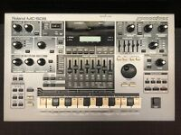 Roland MC-505 Synthesiser Groovebox Drum Machine Sequencer.