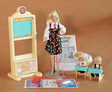 TEACHER BARBIE 1995