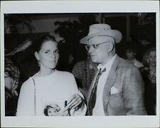 George Christy (Reporter), Ali Mac Graw ORIGINAL PHOTO HOLLYWOOD Candid 5233