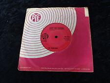 45 RPM Record The Searchers 1963 Sugar & Spice/ Saints & Searchers