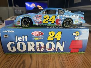"""Jeff Gordon #24 Dupont """"PEANUTS"""" 2000 Monte Carlo 1/18 Scale From Action"""