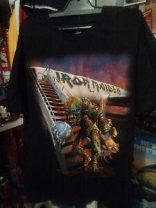 LOT RARE Iron Maiden SHIRT MEN XL WORLD TOUR The FINAL Frontier 2011