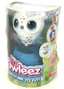 Owleez Teach Me To Fly Interactive Flying Baby Owl (White)