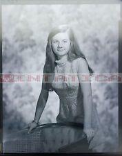 4X5 NEGATIVE PETITE BRUNETTE GIRL PORTRAIT ORIGINAL VINTAGE 1939-1969 Z73