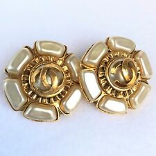 Auth Vintage CHANEL Earrings Clip-On Gold-tone about 3 cm Imitation Pearl Flower