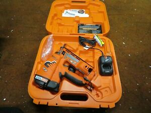Paslode (IM250A 16 Gauge Angled Cordless Li-Ion Finish Nailer With Case