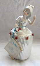 THE LEONARDO COLLECTION PORCELAIN FIGURINE LADY WITH RED ROSES
